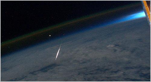 Las perseidas de 2011 desde la ISS - NASA