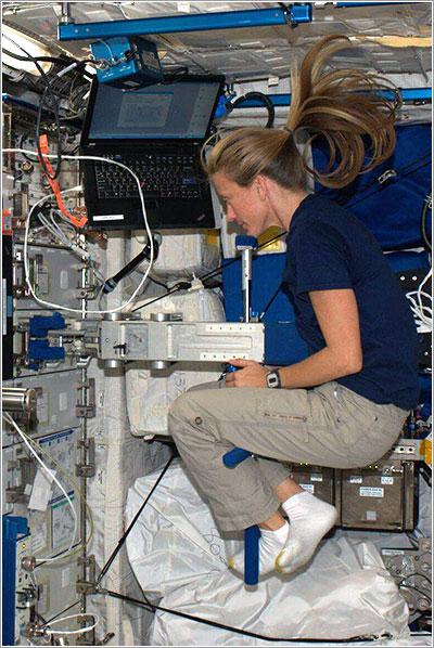 Pesando una astronauta