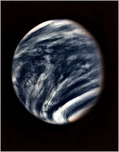 Primera foto de Venus por la Mariner 10 - NASA