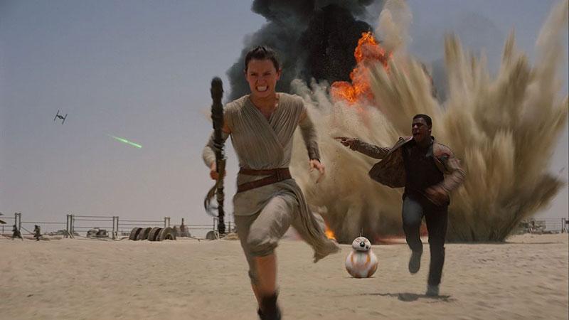 Rey, Finn y BB-8 a la carrera