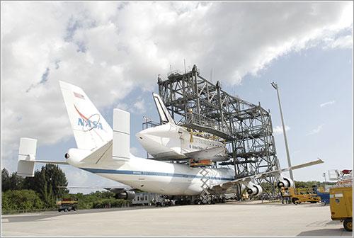 Discovery + SCA - NASA/Tim Jacobs