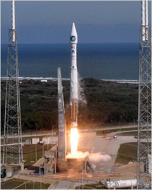 Despegando - Pat Corkery/United Launch Alliance