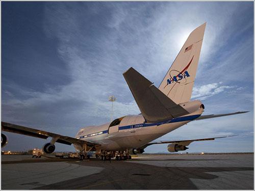 SOFIA listo para su primer vuelo de ciencia - NASA/Tom Schida