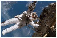 Christer Fuglesang en acción © NASA