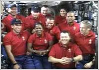 Rueda de prensa conjunta de ambas tripulaciones © NASA TV