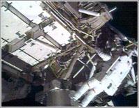 Bob Curbeam en el primer paseo espacial de la misión STS-116 © NASA TV