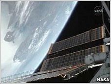 ISS con paneles desplegados - NASA TV