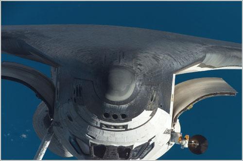 Discovery en la RPM de la misión STS-120 / NASA
