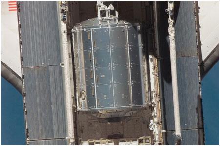 Columbus en la bodega de carga del Atlantis