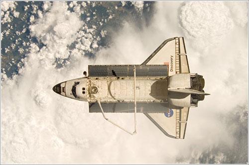 El Discovery visto desde la ISS - NASA