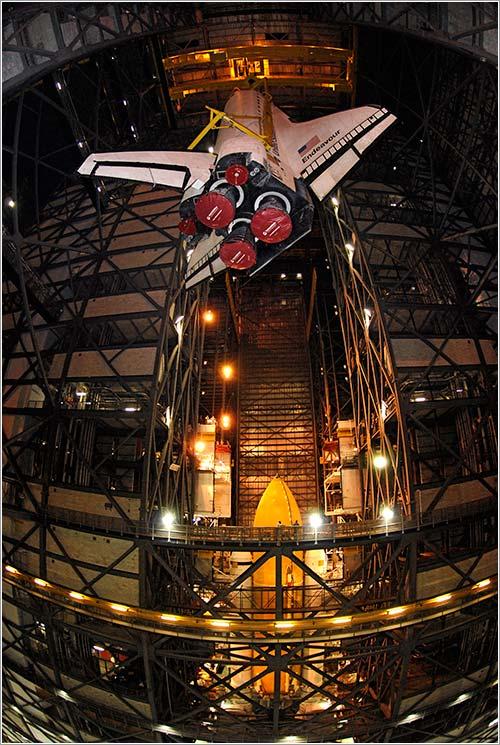 Ensamblado del Endeavour - NASA/Kim Shiflett