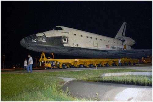 El Atlantis rumbo al VAB - NASA