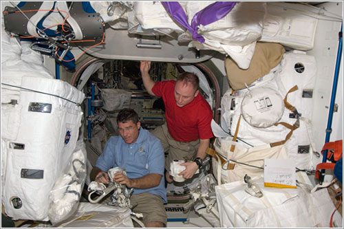Preparativos del cuarto paseo espacial - NASA