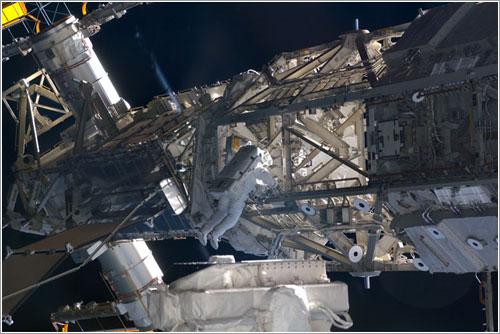 Bowen durante el paseo espacial - NASA