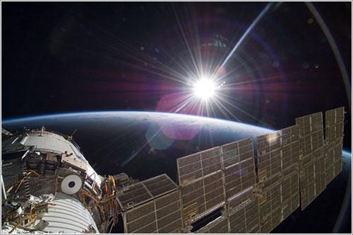 El Sol y la Tierra vistos desde la ISS - NASA