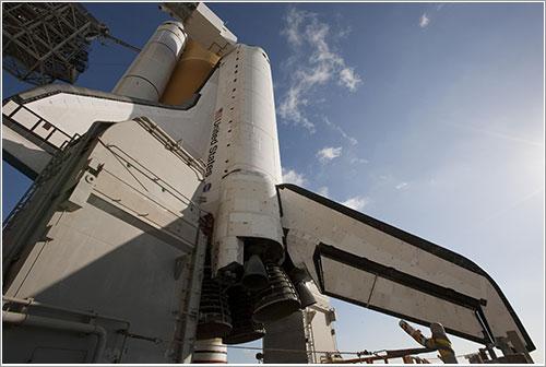 El Endeavour listo para el lanzamiento - NASA/Troy Cryder