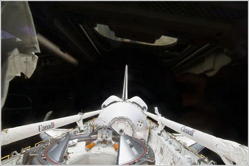 Bodega de carga del Discovery - NASA