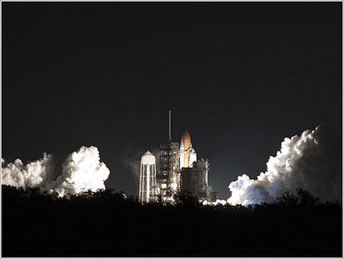 3-2-1 Lift Off - NASA/Troy Cryder