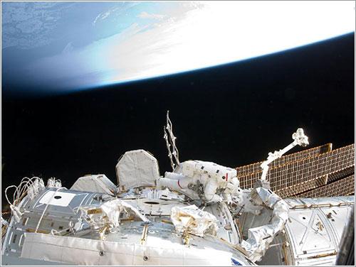 Bowen trabajando - NASA