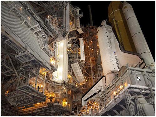 De nuevo en la plataforma de lanzamiento - NASA/Jack Pfaller