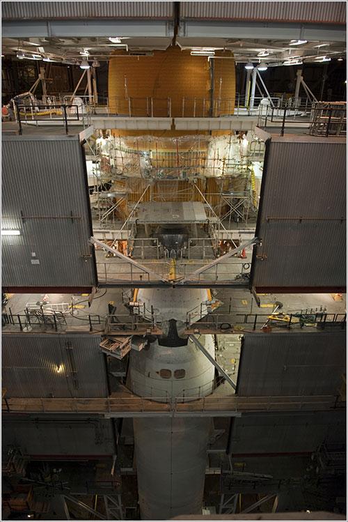 El Discovery en reparación - NASA/Kim Shiflett