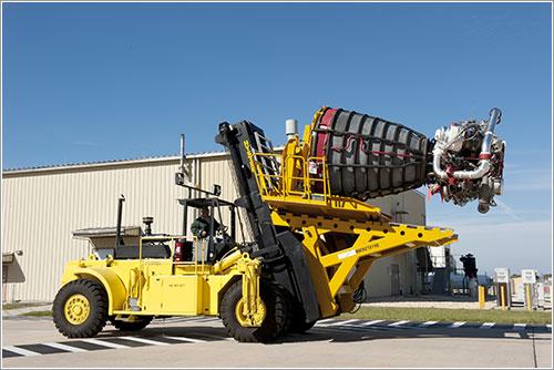 Carretilla de transporte - NASA/Kim Shiflett