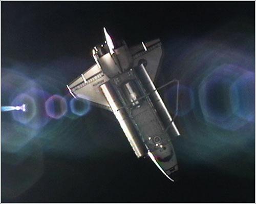 El Atlantis alejándose de la ISS - NASA TV