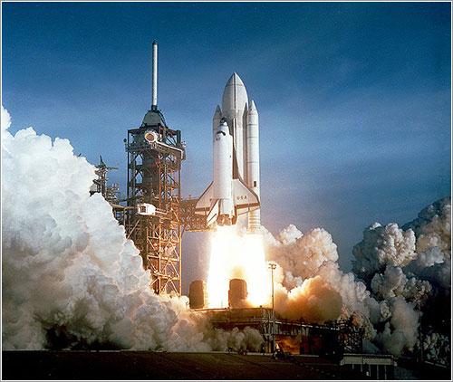 Lanzamiento del Columbia en la misión STS-1 - NASA