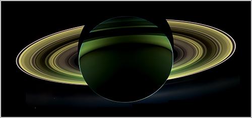 Saturno en verde - NASA/JPL-Caltech/SSI