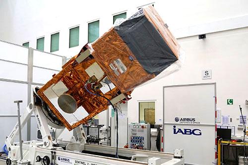 El Sentinel-2A montado en su banco de pruebas