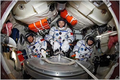 La tripulación de la Shenzhou-9