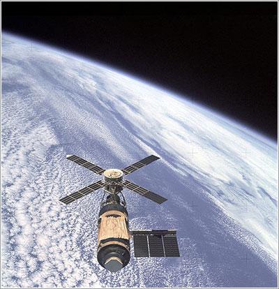 El Skylab fotografiado desde el Apolo SL 4