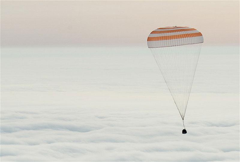 La TMA-18M durante el descenso