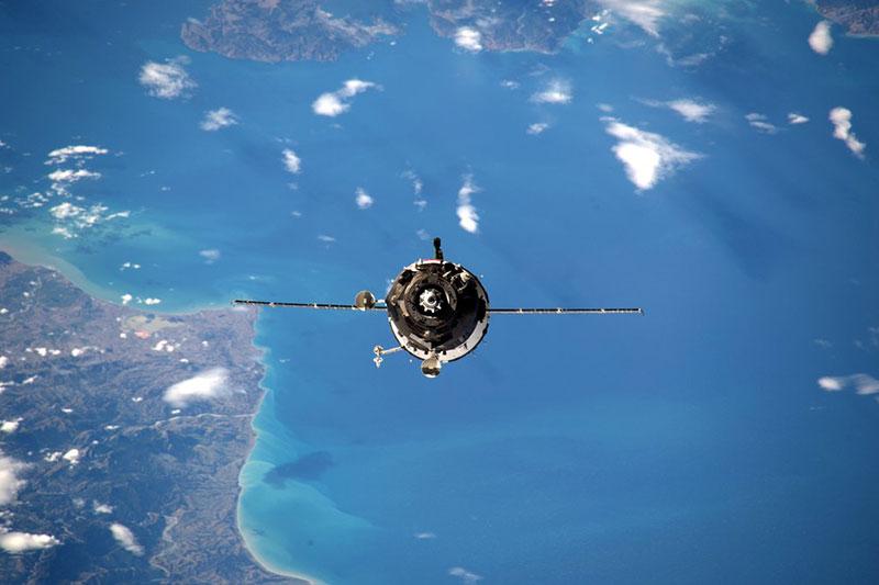 La Soyuz TMA-20M en aproximación a la EEI