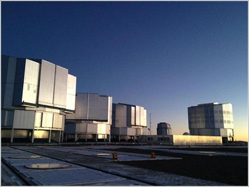 Los telescopios del VLT por Brigitte Bailleul