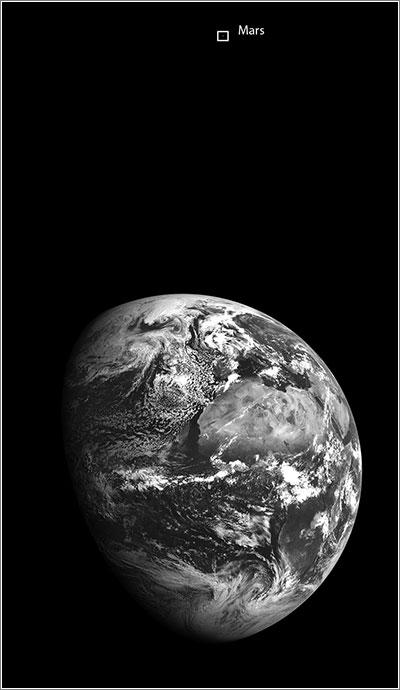 La Tierrra y Marte vistos por la LRO