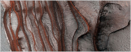 Estratos de rojos acantilados en Marte - HiRISE, MRO, LPL (U. Arizona), NASA