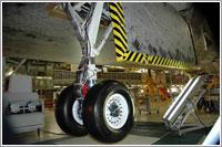 Tren de aterrizaje derecho del Discovery - NASA