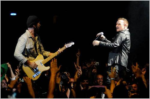 The Edge y Bono en acción - Foto U2.com