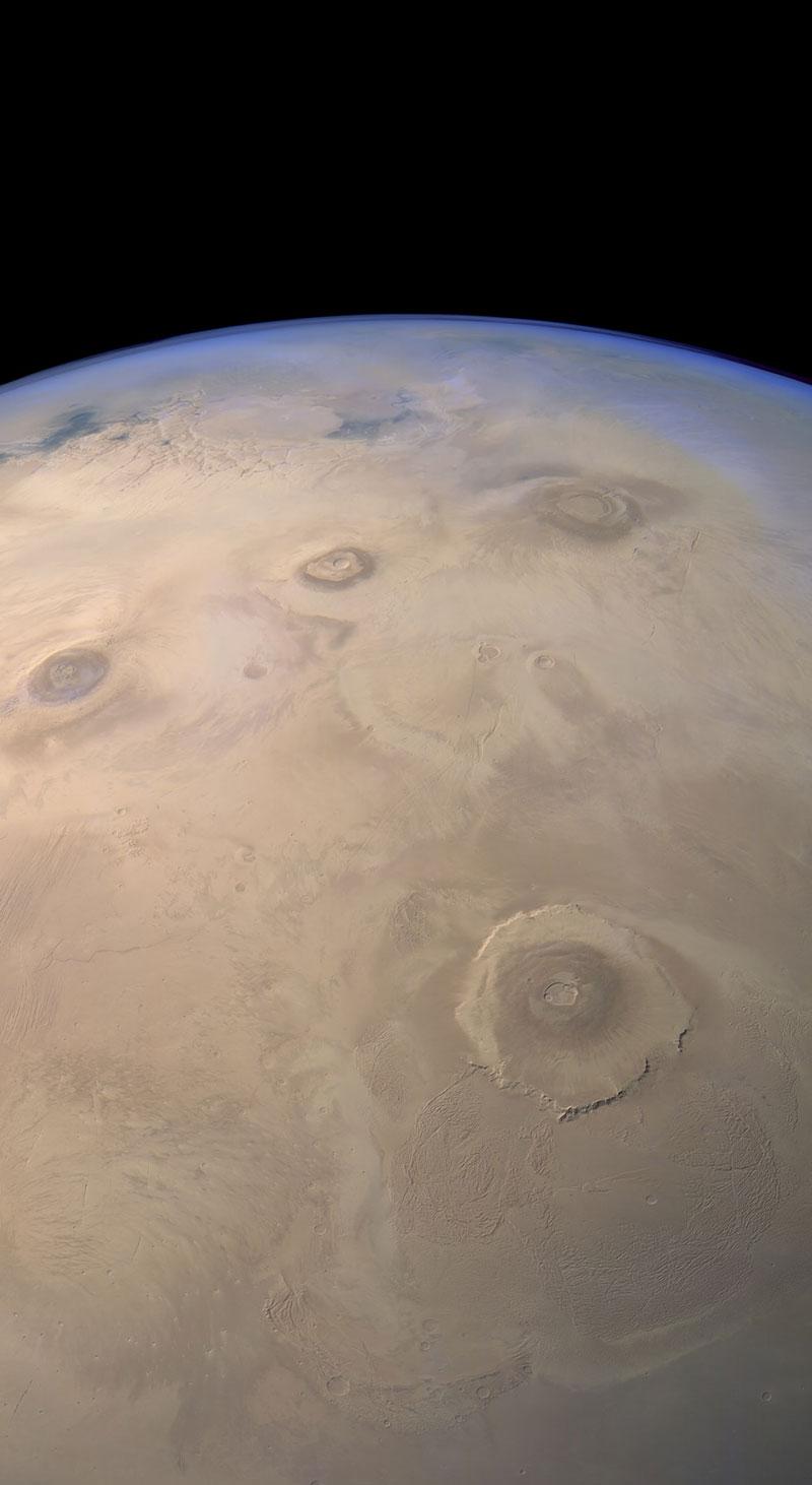Las espectaculares imágenes espaciales de Justin Cowart