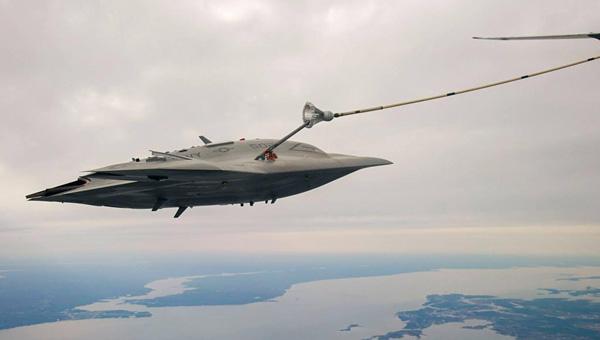X-47B-Maniobra-Aar