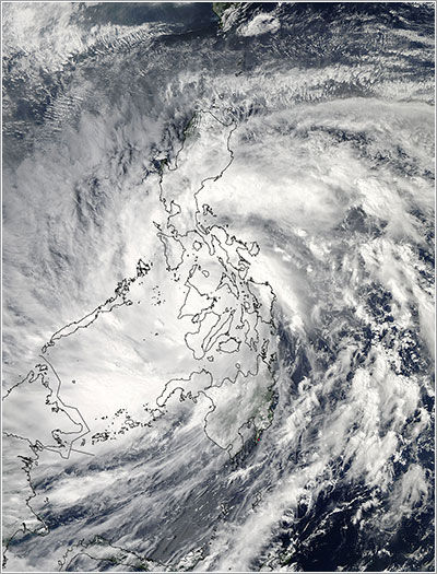 Yolanda/Haiyan sobre las Filipinas