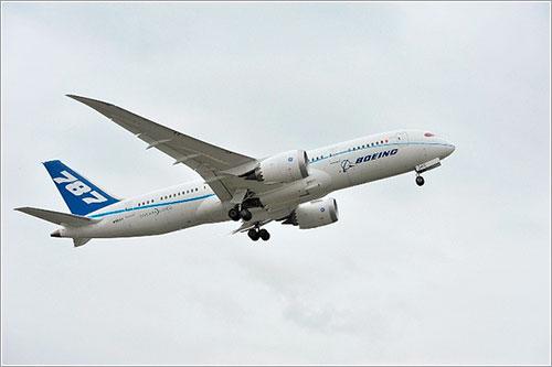 El ZA005 en uno de los vuelos de prueba - Boeing