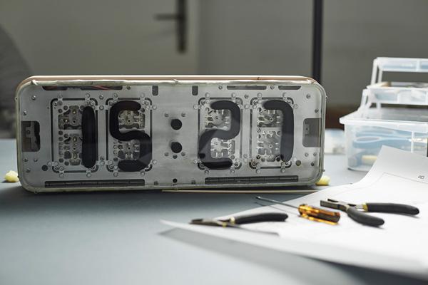 Rheiani Luquid Clock