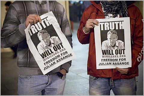Foto: Manifestación Wikileaks Zaragoza (CC) Sombrerero Loko @ Flickr