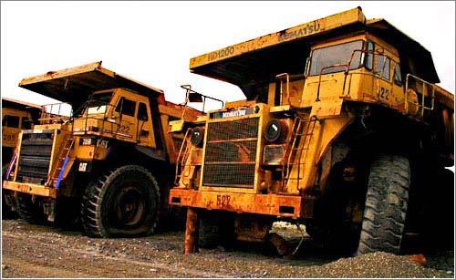 cementerio-camiones-gigantes.jpg