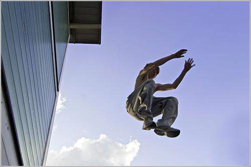 Parkour Foundations (CC) GeishasBoy500 @ Flickr