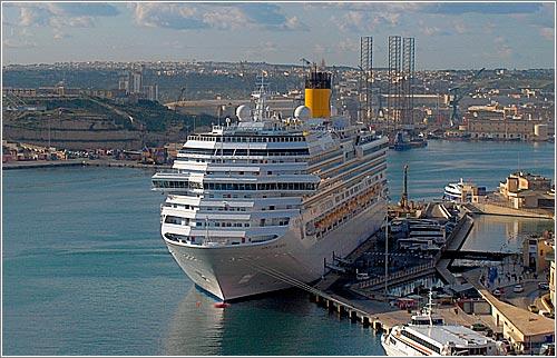 Costa Concordia en La Veleta, Malta (CC) John Haslam (2008) @ Flickr