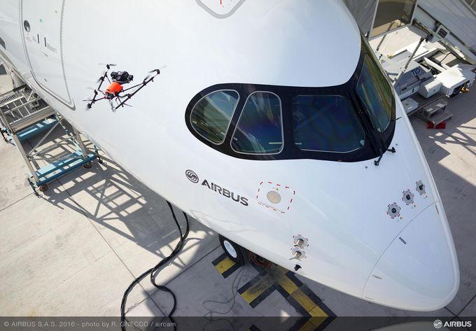 Airbus comienza a utilizar drones para la inspección final de sus aviones