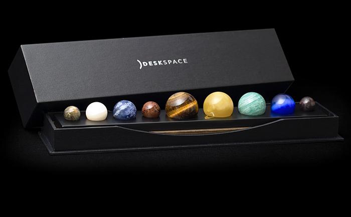 Deskspace accessory planets